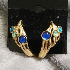 NWOT Trifari pierced earrings